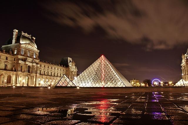 taxi monuments parisien